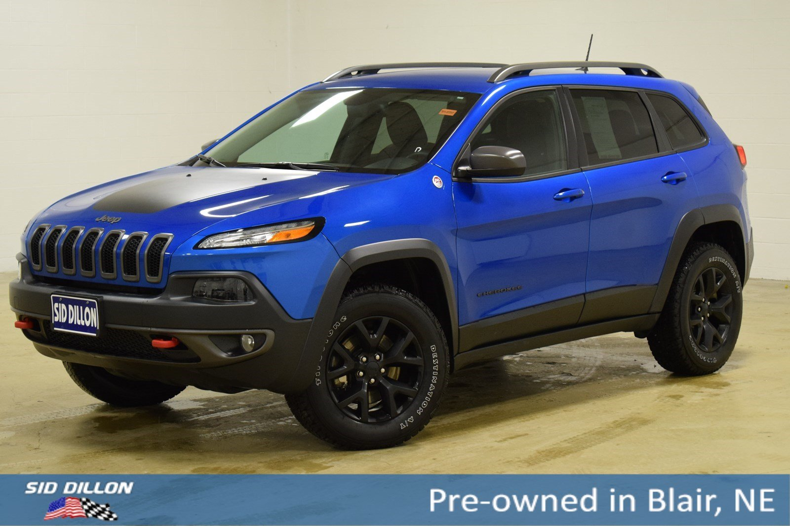 Pre Owned 2017 Jeep Cherokee Trailhawk