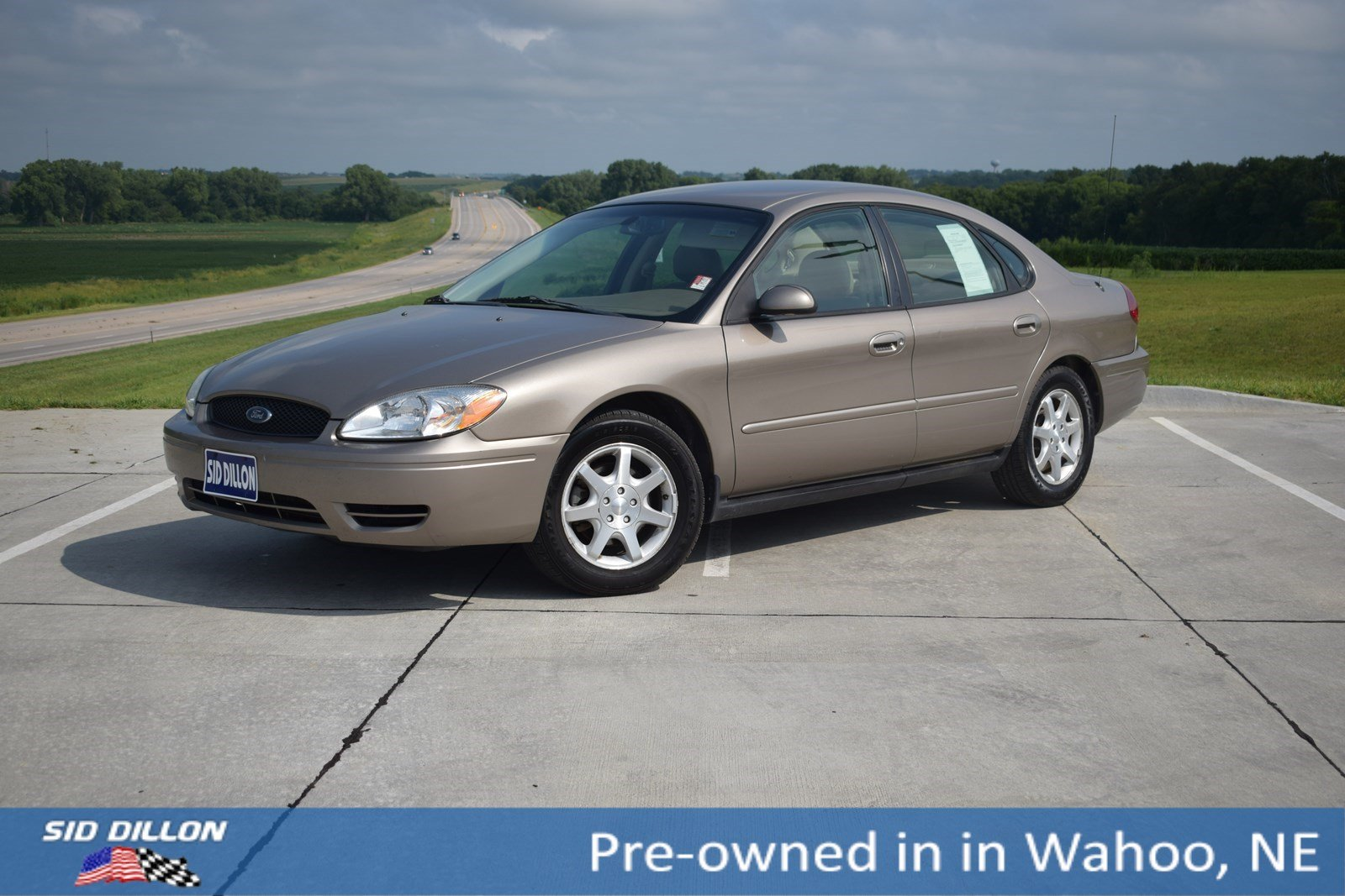Pre-Owned 2007 Ford Taurus SEL