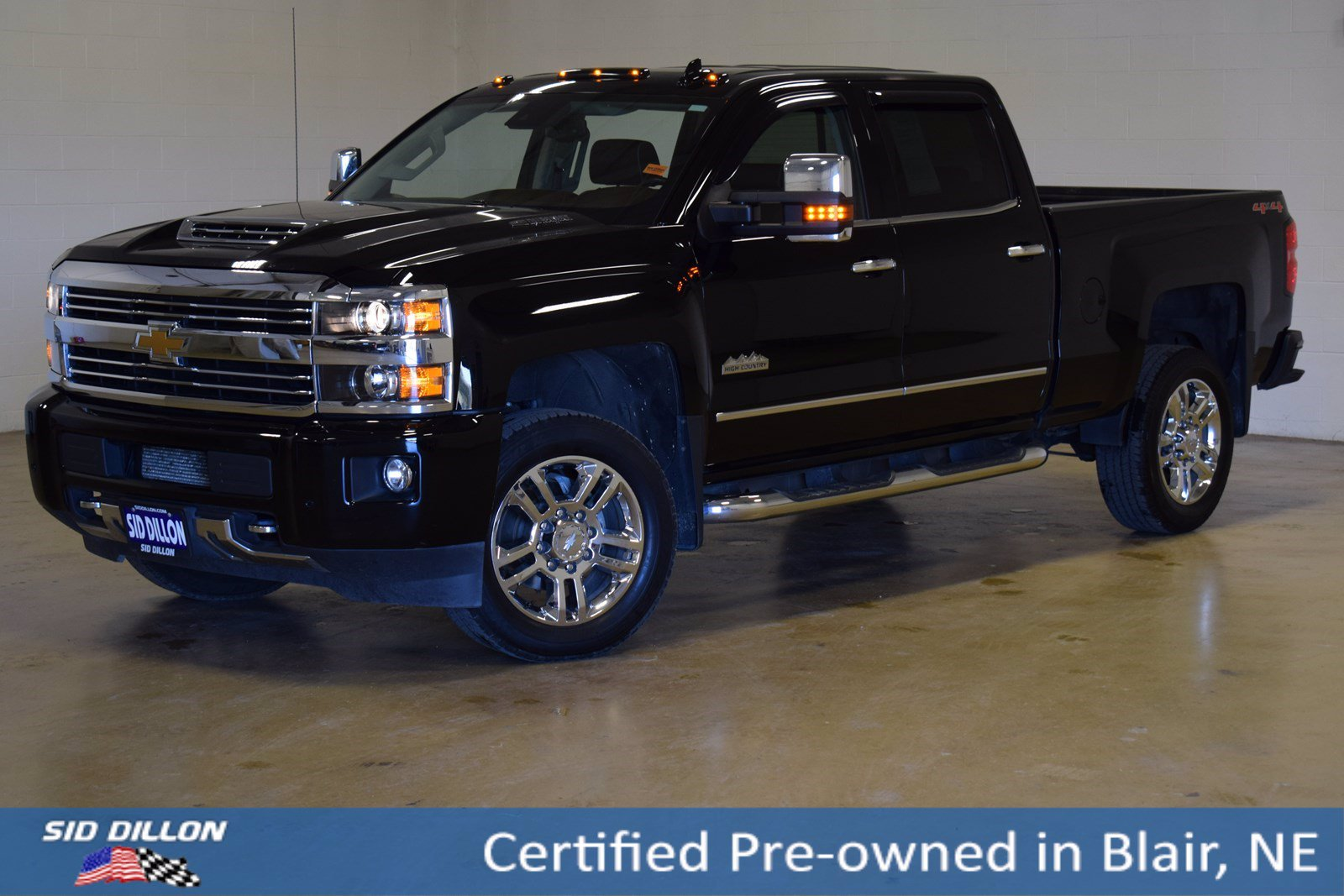 Certified Pre-Owned 2017 Chevrolet Silverado 2500HD High Country