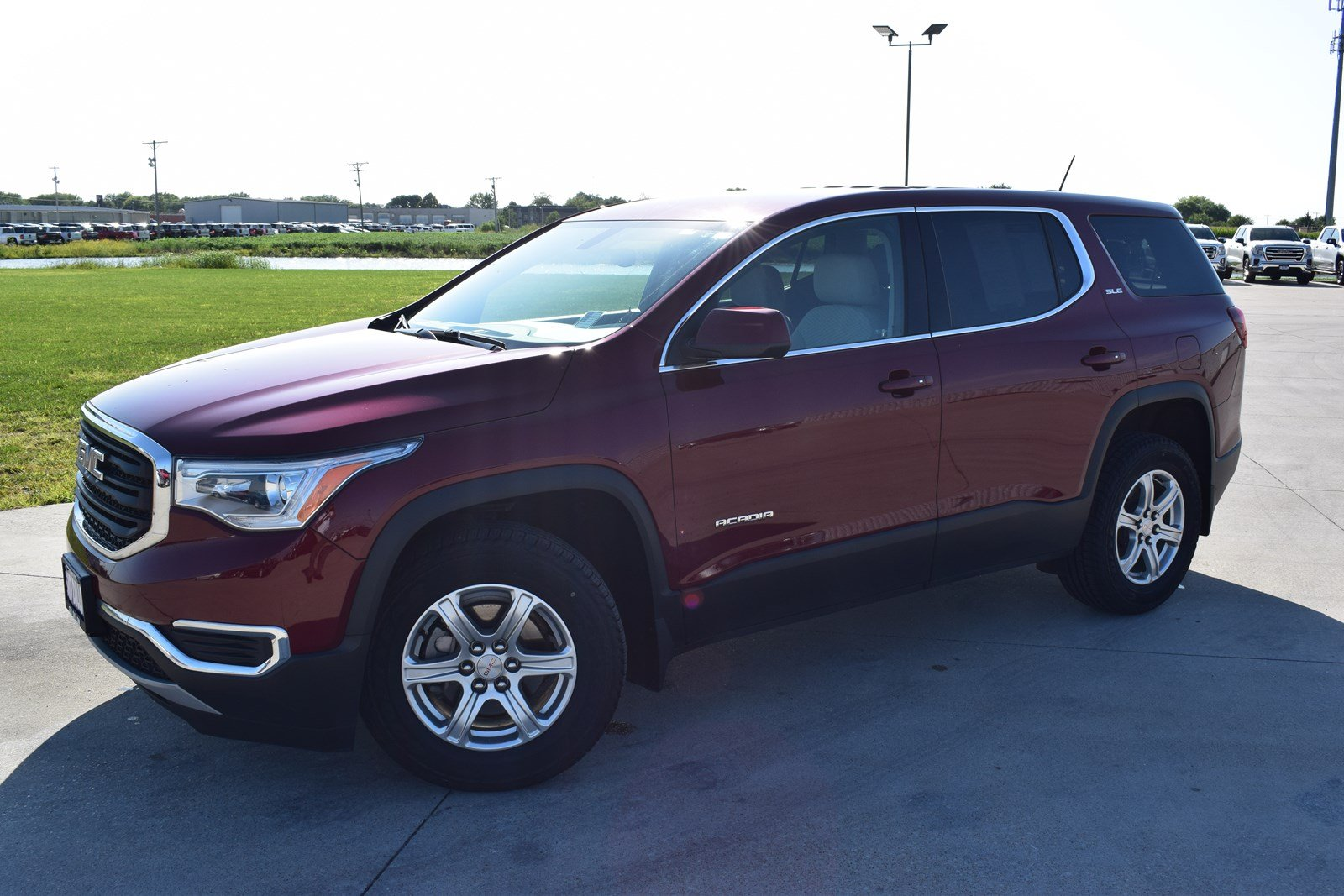 Certified Pre-Owned 2018 GMC Acadia SLE