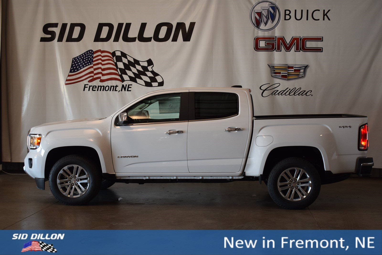 New 2019 GMC Canyon 4WD SLT
