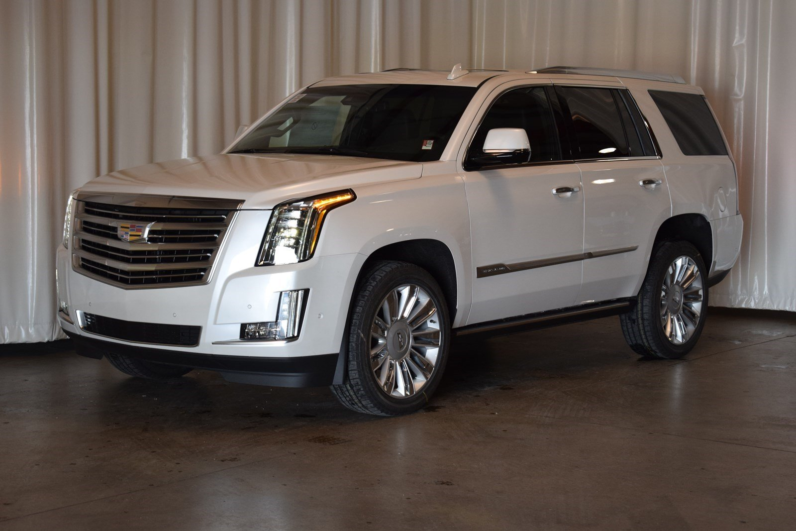 New 2019 Cadillac Escalade Platinum