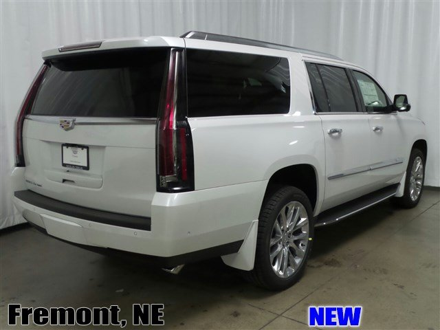 New Cadillac Escalade Esv Luxury Suv In Fremont