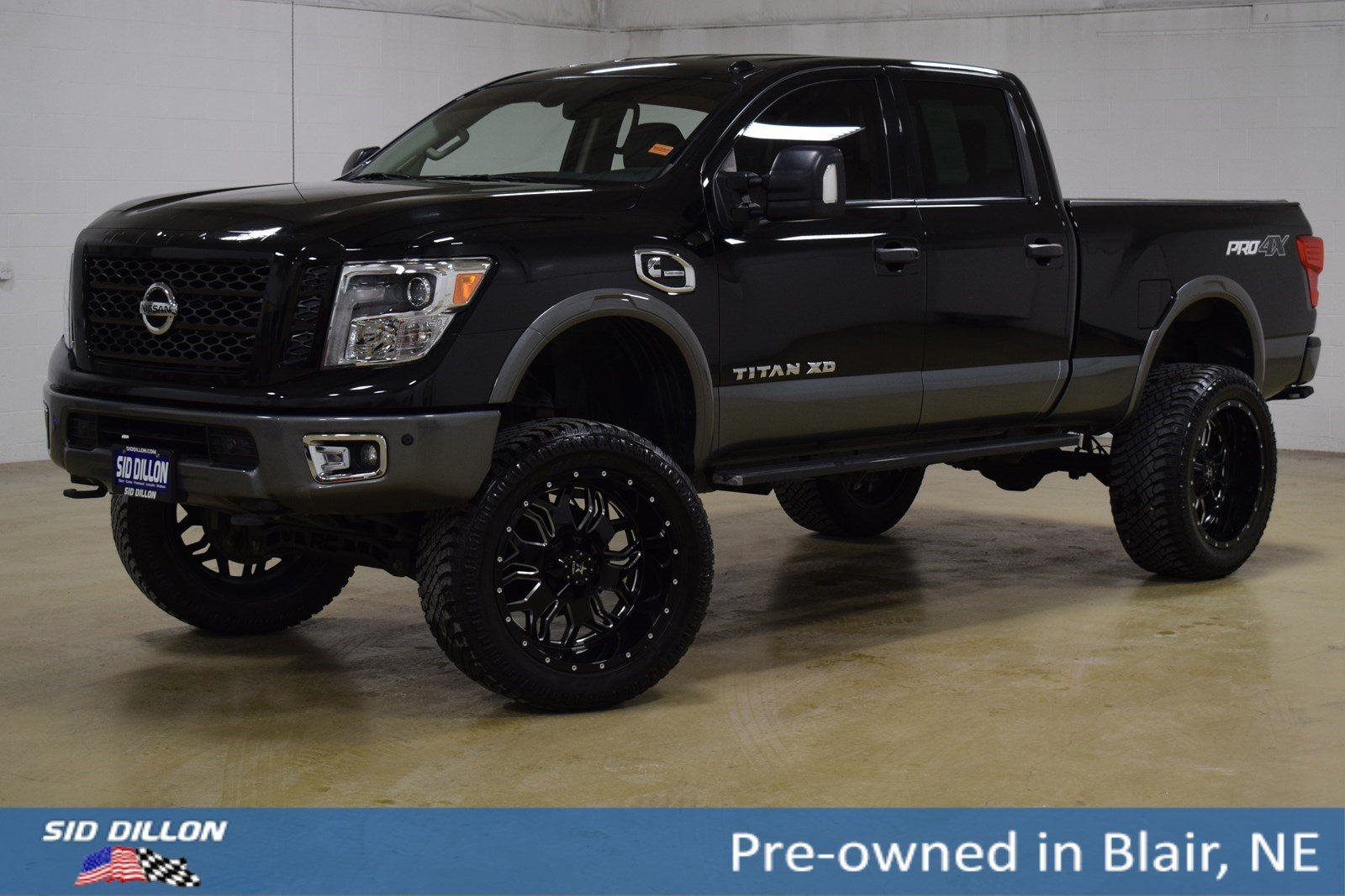 Lifted Nissan Titan >> Pre Owned 2017 Nissan Titan Pro 4x With Navigation 4wd