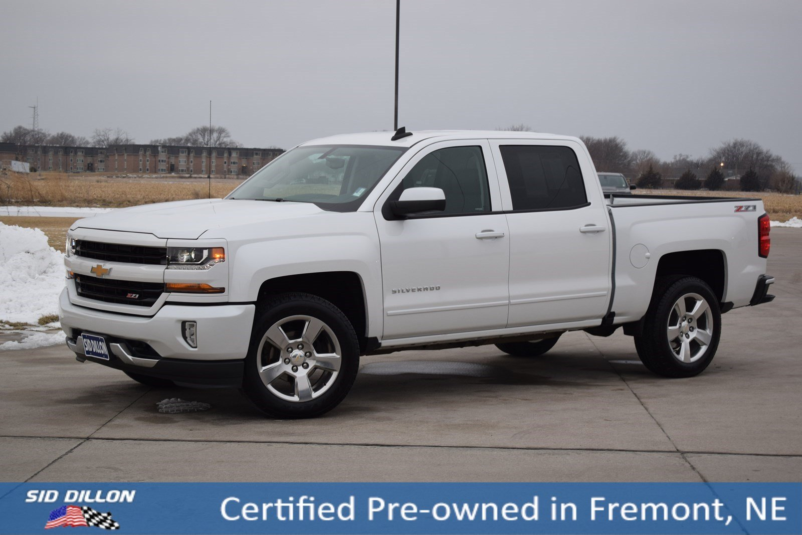 Certified Pre Owned 2017 Chevrolet Silverado 1500 Lt Crew Cab In