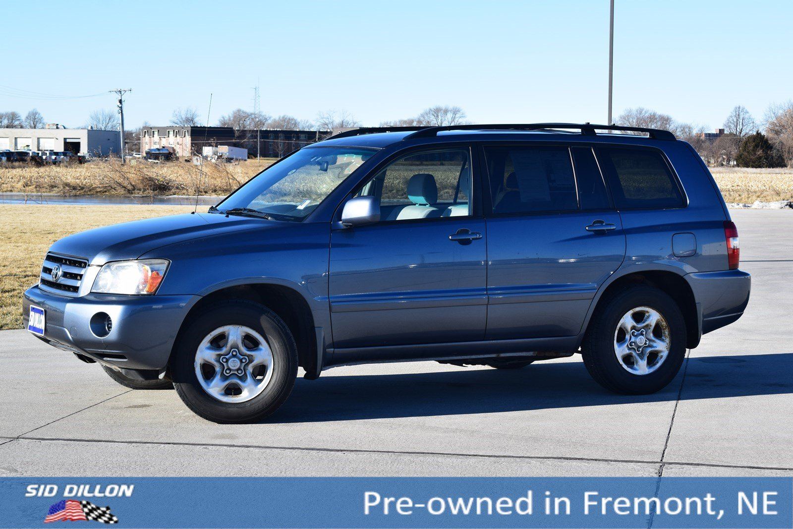 Pre Owned 2004 Toyota Highlander 4dr 2wd At