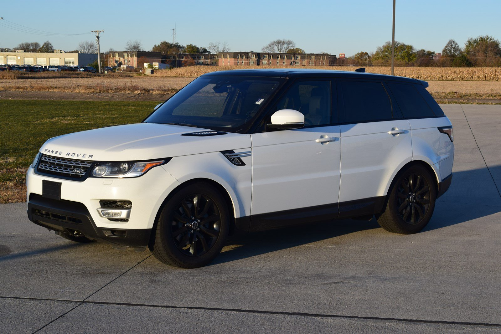 Land Rover Sport >> Pre Owned 2017 Land Rover Range Rover Sport Hse With Navigation 4wd