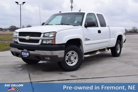 Pre-Owned 2004 Chevrolet Silverado 2500HD LS 4WD