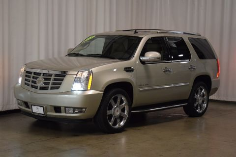 Pre-Owned 2013 Cadillac Escalade Luxury With Navigation & AWD