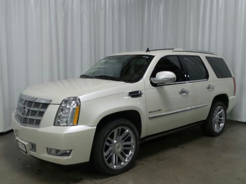 Certified Pre-Owned 2013 Cadillac Escalade Platinum Edition With Navigation & AWD