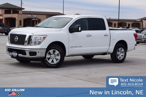 New 2018 Nissan Titan SV With Navigation & 4WD