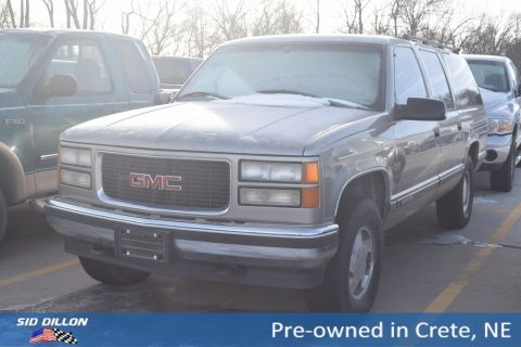 Pre-Owned 1998 GMC Suburban 4DR 4WD 1500