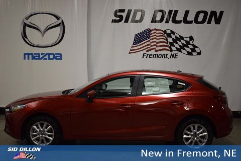 New 2018 Mazda3 Sport FWD Hatchback